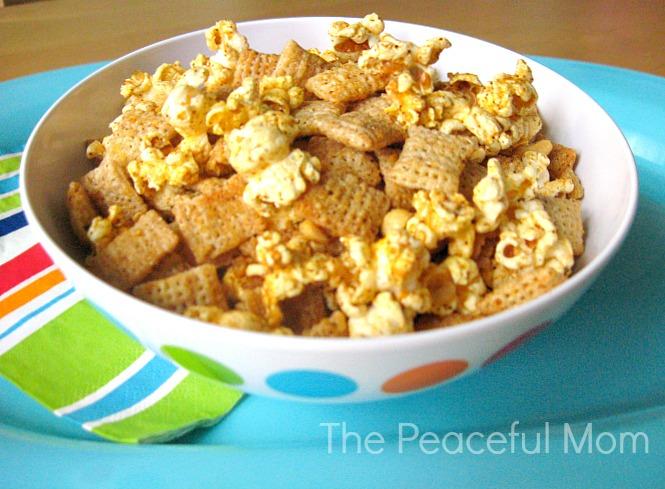 Super Bowl Snack: Chili & Cheese Chex Mix