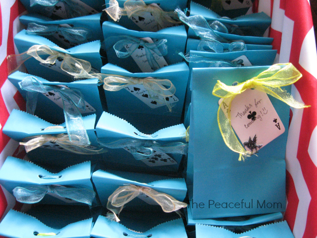 Alice in Wonderland Favor Bags - The Peaceful Mom