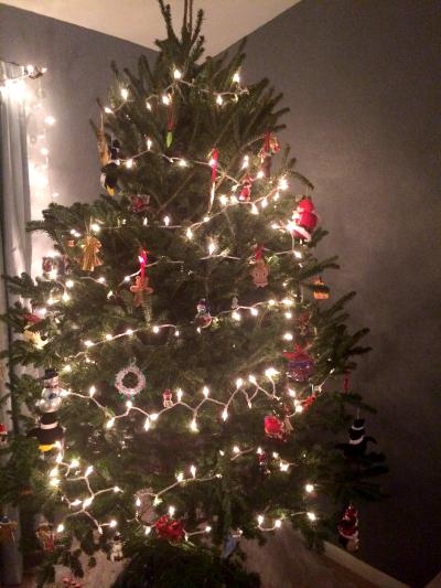 christmas-tree-the-peaceful-mom